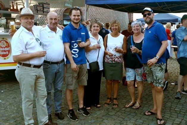 Altstadtfunken und Bürgerschützen feiern zusammen den Sommer